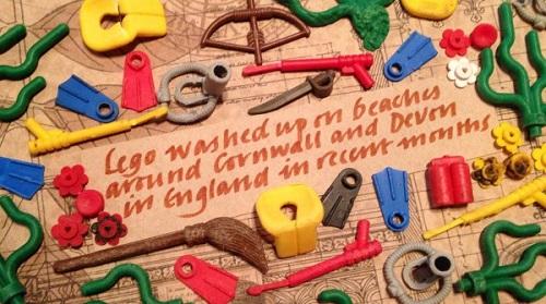 Alcuni dei Lego rinvenuti lungo le spiagge di Devon e Cornovaglia negli ultimi mesi