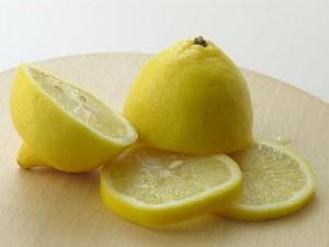 limoni per pulizia forno