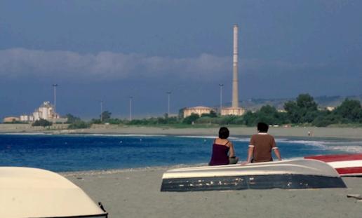 mare carbone spiaggia