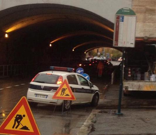 rimozione_ciclabile_tunnel_roma